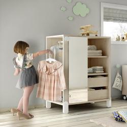 Ανοιχτή ντουλάπα επιλογής ρούχων Ros Montessori